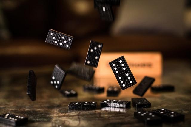 Online Gambling With Domino 99 APK Download